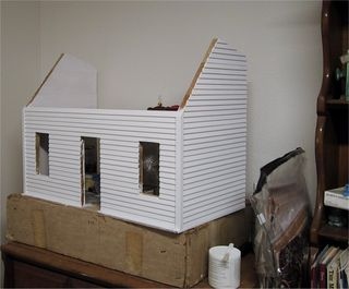 House_with_primer_coat
